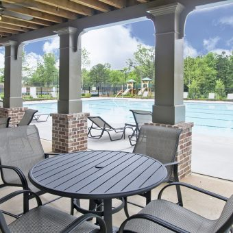 ROA-Amenities-Clubhouse-Outside-Eating-&-Pool