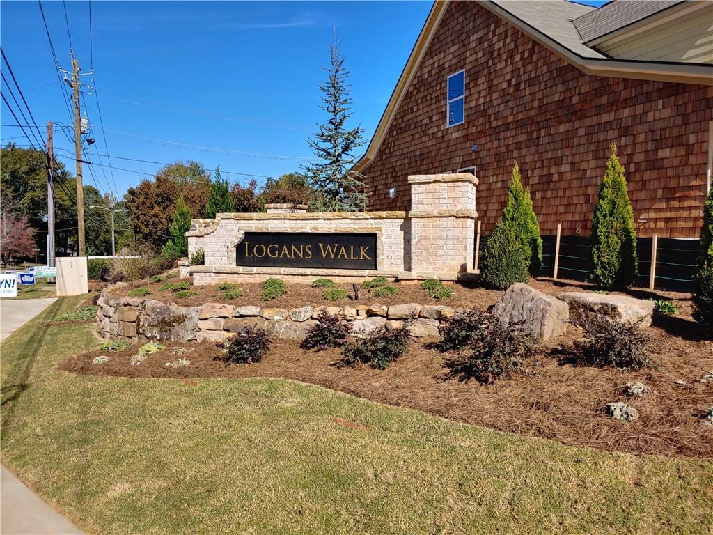Logans Walk entrance