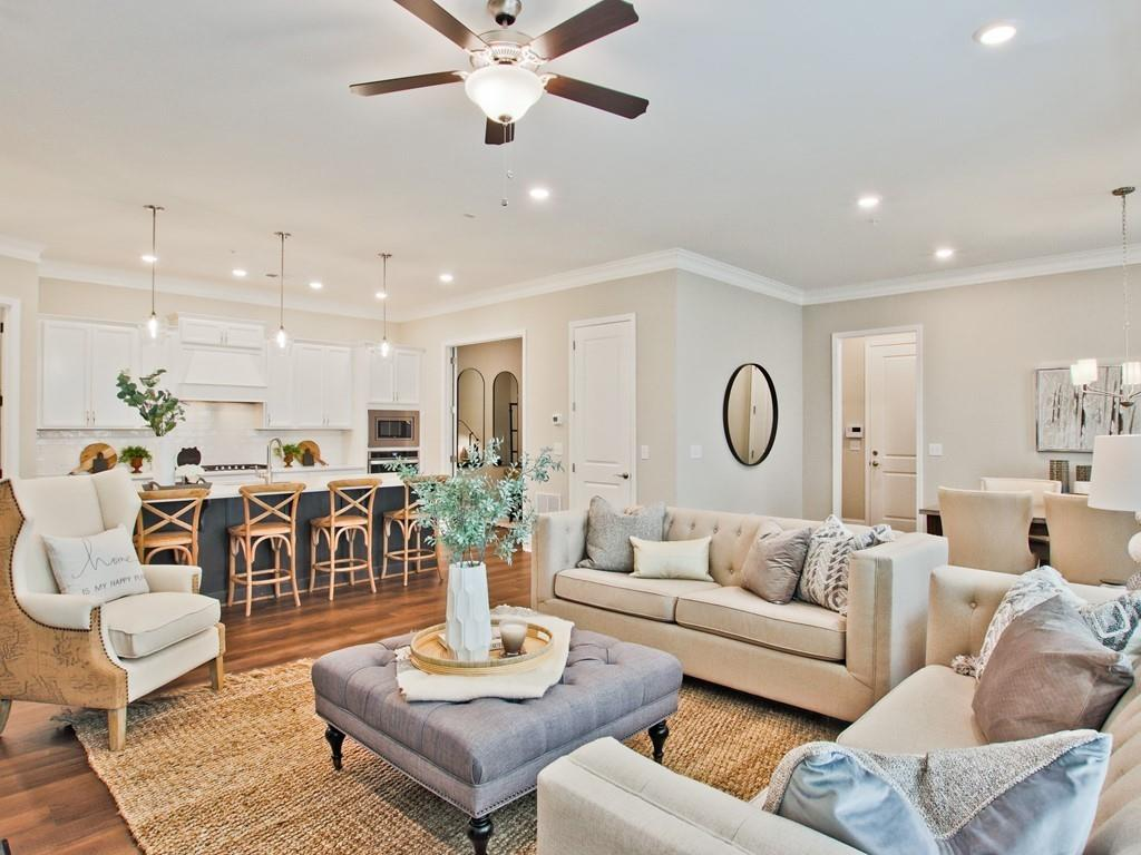 family room and kitchen layout